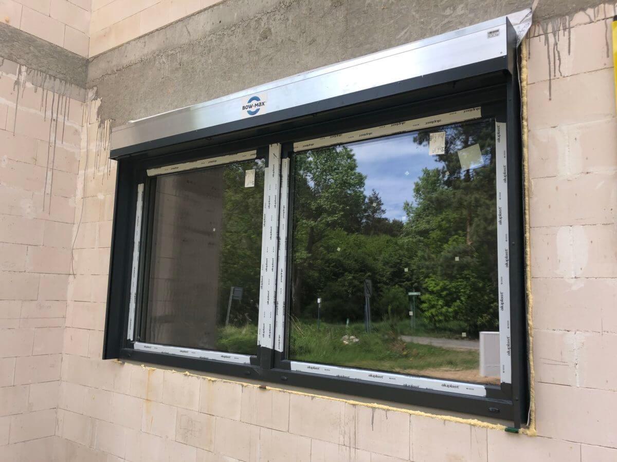 okna z roletami
